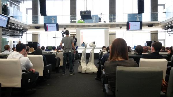 Skolkovo Robotics 2015 - столкновение роботов