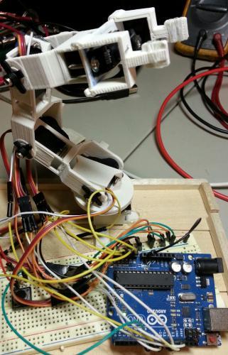 Обучаемый манипулятор на Arduino