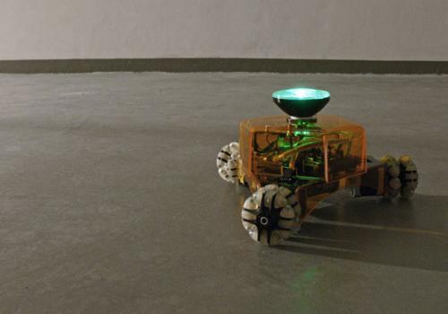 Робот - свето-художник