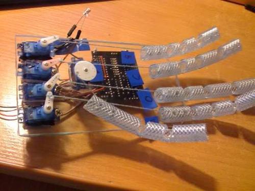 Робо-рука из Arduino