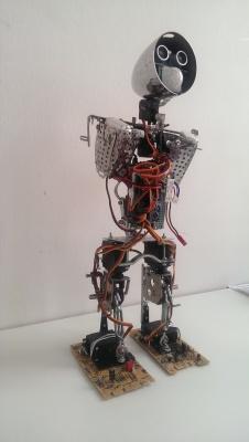 trashbot - шагающий Arduino-робот