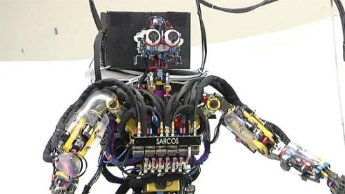 Робот Sarcos